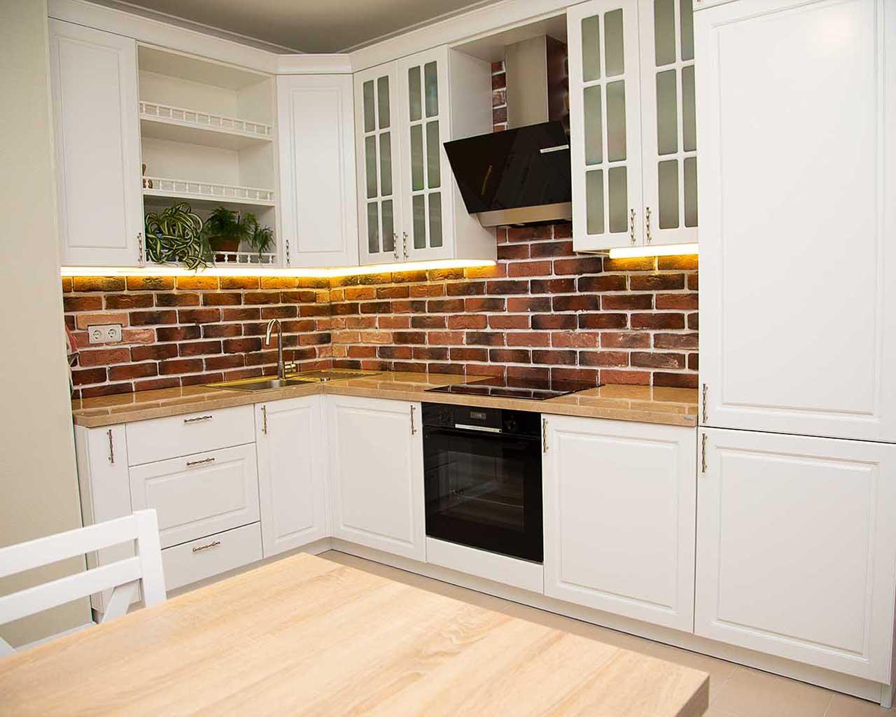 Аккуратная и стильная кухня Миа в белой отделке - выглядит потрясающе